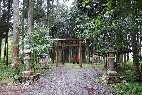 神さまがいらっしゃると感じた櫛石窓神社の二の鳥居