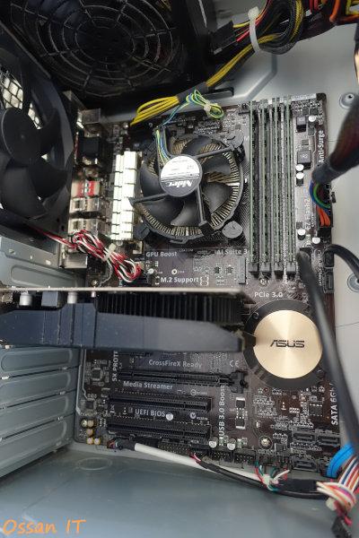 メモリを装着しファンを掃除した後のZ97-Kマザーボード
