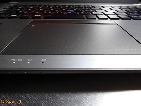 「dynabook R63/PS」(PRB63PS-NEC)のタッチパッドと各種LEDランプ